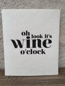 Disktrasa, Oh look it´s wine o´clock (Vit/Svart) - Mellow Design
