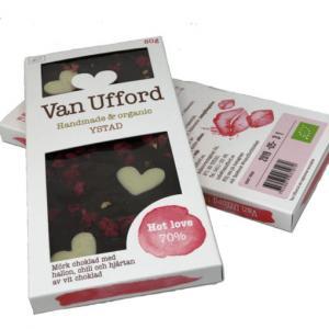 Hot love; Mörk choklad med hallon, chili och vita chokladhjärtan - Van Ufford