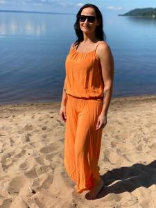 Byxdress/Jumpsuit med smala axelband, Orange - Mix by Heart