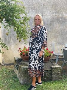 """Mönstrad lång klänning """"Nicole"""", svart - Gemini"""
