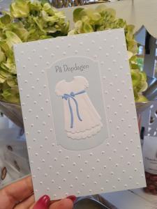 På Dopdagen, Dopklänning med blå rosett - kort från Pictura