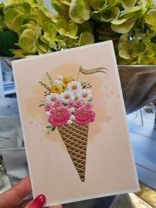 Kort med blommor i glasstrut, Pictura