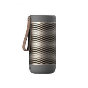grå silver  Bluetooth högtalare från Kreafunk. fungerar även som batteripack, går att koppla ihop två stycken