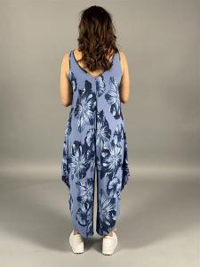 LILJA Byxdress i viscose stora blommor, blå - Mix by Heart