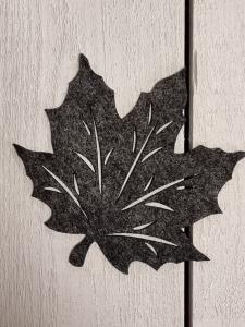 Löv i filtad känsla, Mörkgrått - 12,5 cm