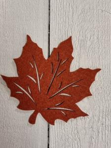 Löv i filtad känsla, Rost - 12,5 cm
