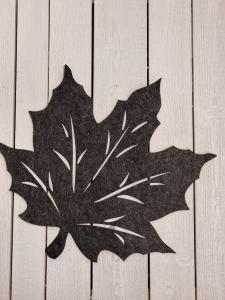 Löv i filtad känsla, Mörkgrå - 45 cm