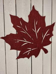 Löv i filtad känsla, Vinrött - 45 cm