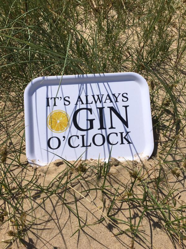 Bricka: It´s always GIN o´clock - Mellow Design (rektangulär)