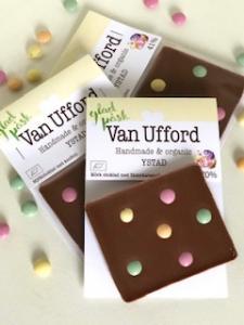 Påsk konfetti (minis); Mjölkchoklad med ekologisk chokladkonfetti från Kung Markatta - Van Ufford