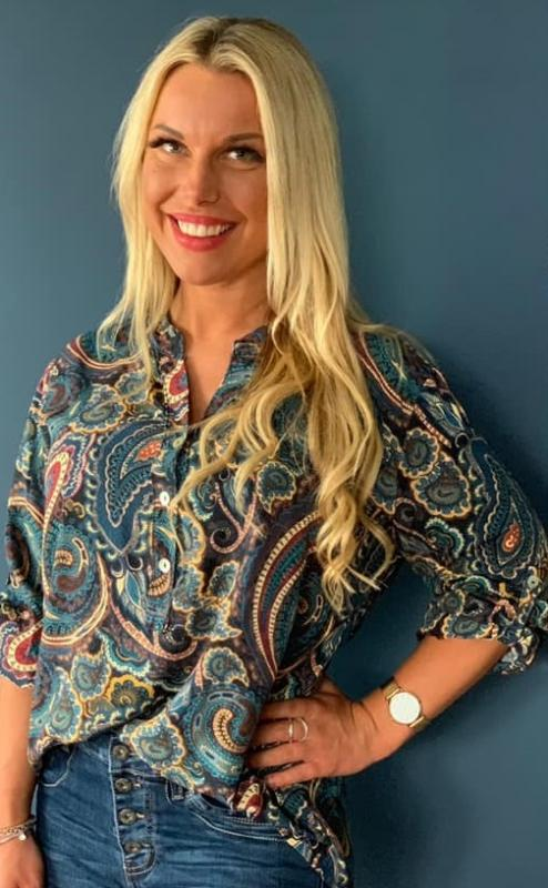 Blus, jeansblå med paisleyprint - Mix by Heart