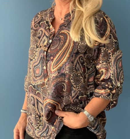 Blus, svart med paisleyprint - Mix by Heart