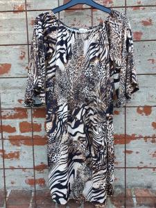 Klänning med trumpetärm, animalprint - Mix by Heart