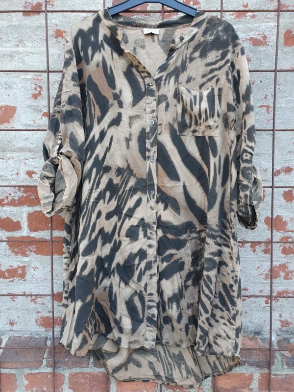 Långskjorta med animalprint, svart/kamel - Mix by Heart