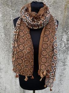 Sjal, mönster och tofsar i rost - Mix by Heart