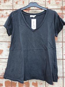 T-shirt Svart, V-ringad - Mix by Heart