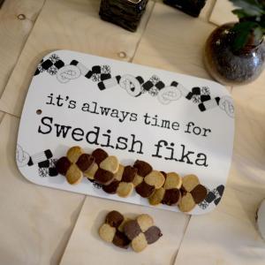 Skärbräda, SWEDISH FIKA (20x30 cm) - Erika Tubbin