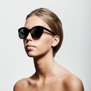 Solglasögon, Tulia Black - Pilgrim
