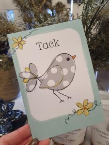 Tack, Kort med grå- och vitprickig fågel, Pictura