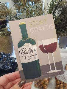 Stort Grattis - Kort med vinflaska och 2 vinglas, Pictura