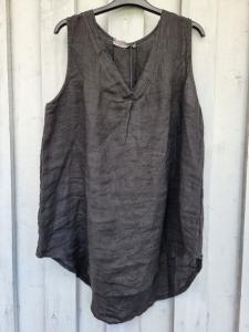 Topp i 100% linne, svart - Rough & Rose