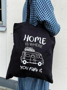 Tygkasse: Home is where you park it, Husbil - Mellow Design