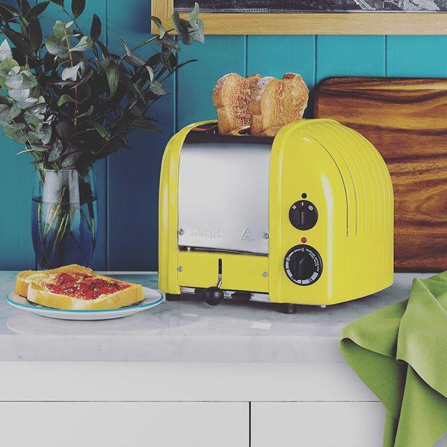 Dualit NewGen Classic 2 slice toaster. Cirtus Yellow Design. Patented ProHeat element