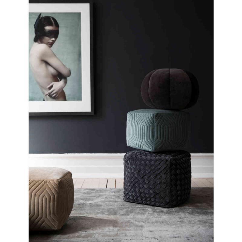 By On Sittpuffar. Puff Fotpall Möbler & Design från ByOn Online
