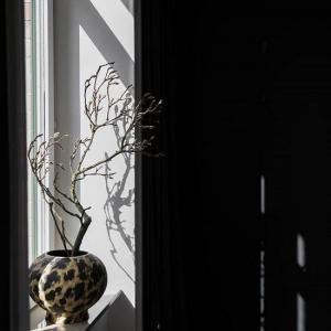 ByOn Vas Safari. Handgjord av terracotta - By On Inredningsdetaljer Köp ByOn inredning från Casa Zeytin Online  Stilfull