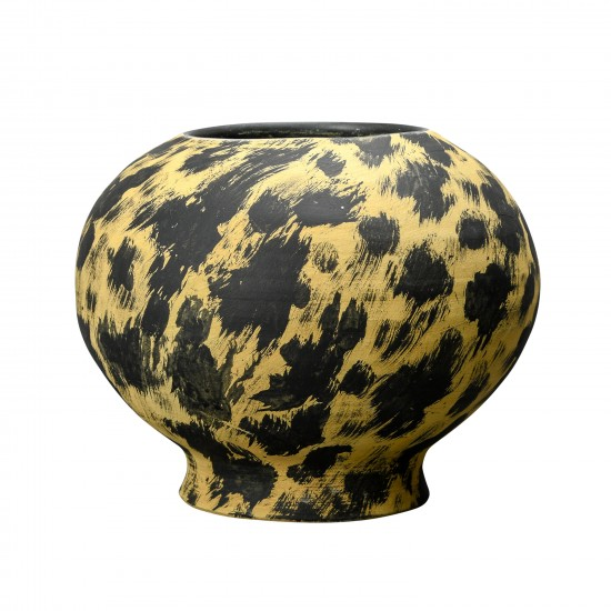 ByOn Vase Safari 30x24 cm. Handmade of terracotta. By On Home Decor