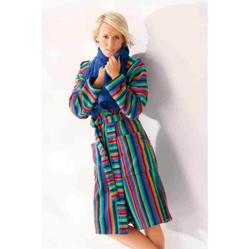 Kort färgglad morgonrock för dam av frotté. Badrock med huva online från CAWÖ.
