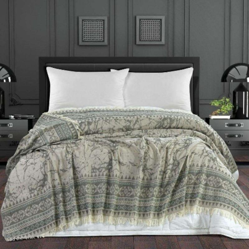 Extra large bed cover / beach blanket