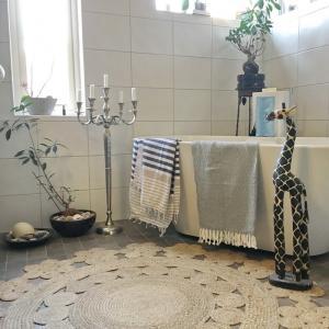 Äkta turkiska hamam handdukar. Tunna  snabbtorkande som väger lite. Praktiska på gymmet, i resväskan, på yogan, badrummet eller på stranden.