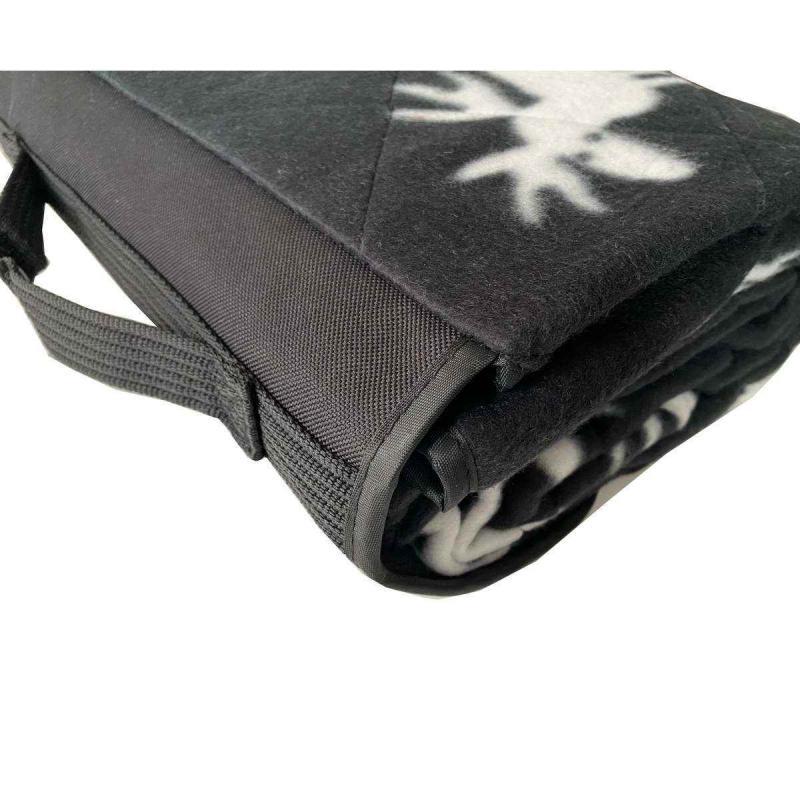 Moose pattern picnic blanket