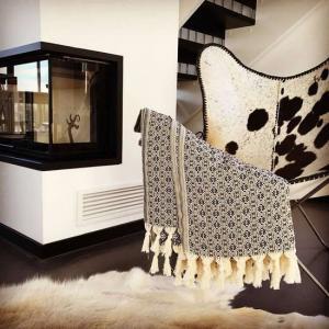 Överkast Pläd Babuska Svart För Säng i Soffan eller värmande Filt. Köp online från Casa Zeytin