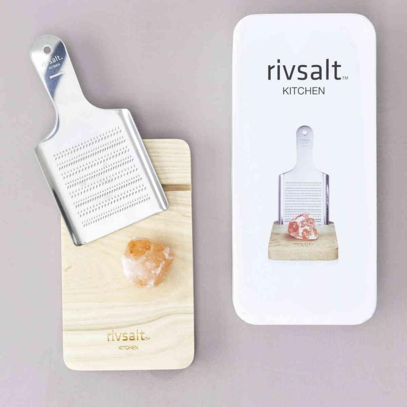 Presentset RIVSALT Stor Himalaya saltsten, rivjärn & bordsställ av ek