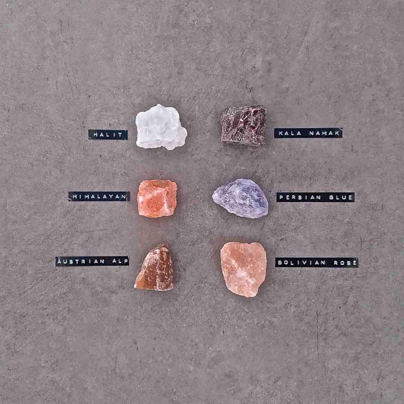 RIVSALT TASTE JR with six salt rocks from different countries