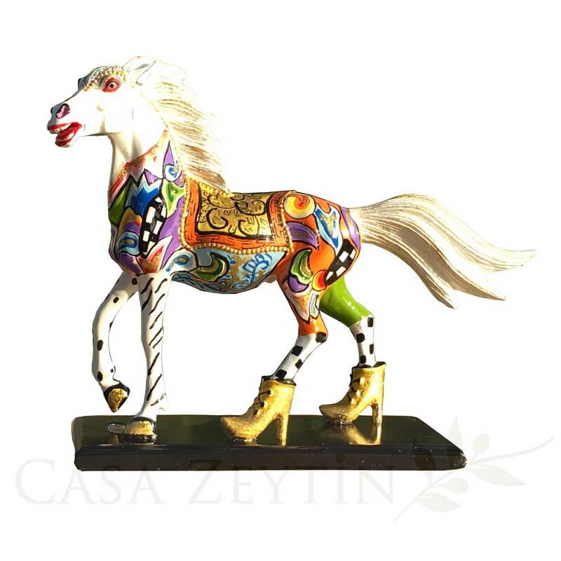 Toms Drag Horse White Champion