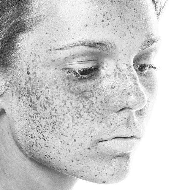 Vakinme - Stilrena hem, hud och kroppsvårdprodukter av certifierade ekologiska råvaror från den svenska västkusten. Björktuva, Åkermynta & Daggmossa