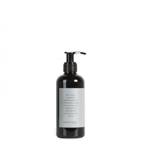 Bodylotion 250 ml Daggmossa  med en tillfredställande doft av ros och grapefrukt, är lugnande och avkopplande.