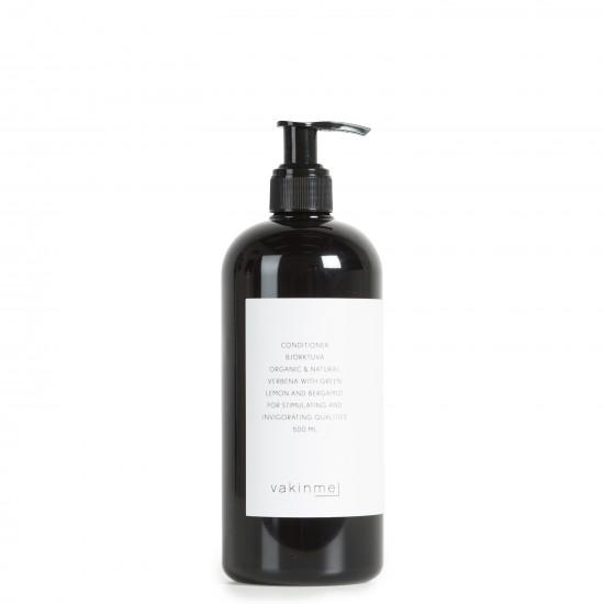 Balsam 500 ml Björktuva  med en frisk doft av grön citron och bergamott, är stimulerande och stärkande.