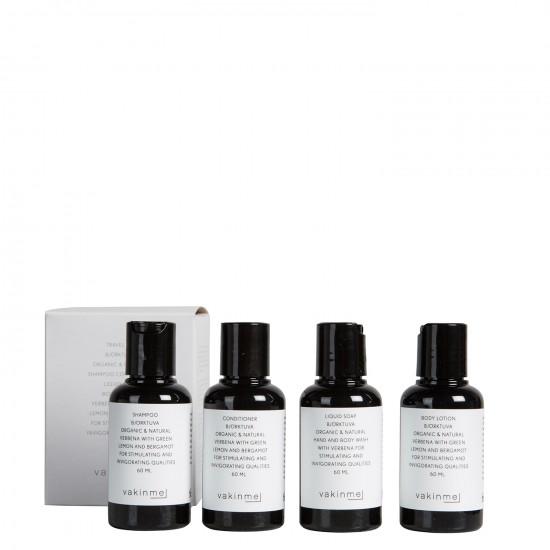 Perfekt för din nästa resa. Detta kit innehåller små flaskor med schampo, balsam, flytande tvål och bodylotion 4x60 ml