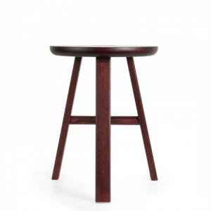 VILLAGE SARAS STOOL Bordeaux Design Staffan Holm Möbler Nordisk Design