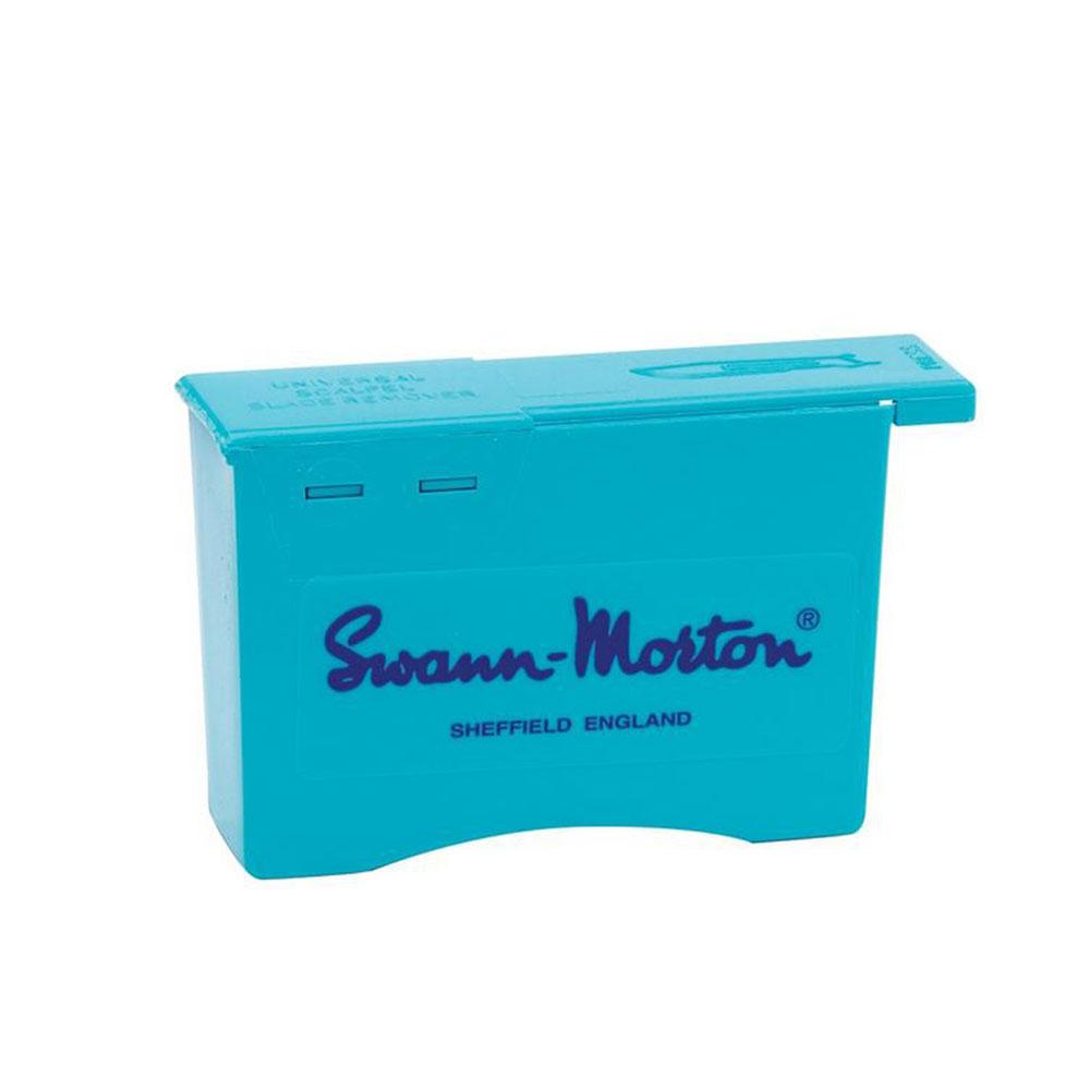 Säker borttagning av alla storlekar skalpellblad från både No.3 och No.4 handtag. Swann- Morton.