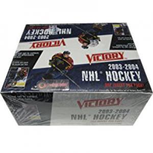 Hel Box 2003-04 Victory Retail (Plasten runt boxen är lätt sprucken)