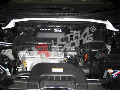 Hyundai i30 / Elantra 08+ 2.0 UltraRacing Främre Fjäderbensstag