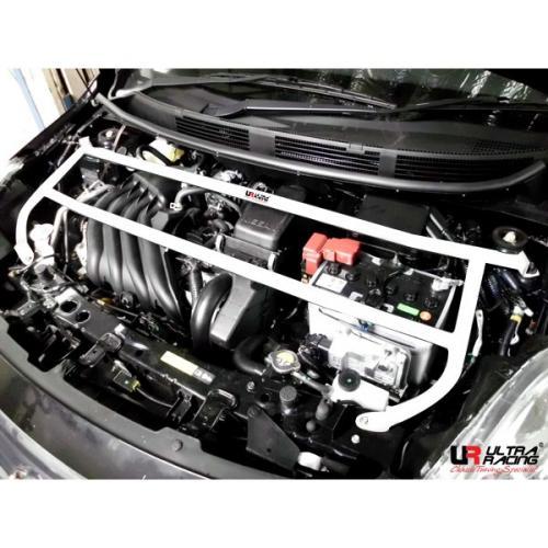 Nissan Almera 1.5 11+ UltraRacing 4-Punkts Främre Fjäderbensstag