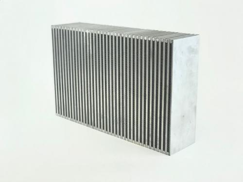 Cellpaket Intercooler (Bar & Plate) 550x350x140 (Vertikal) CSF Radiators