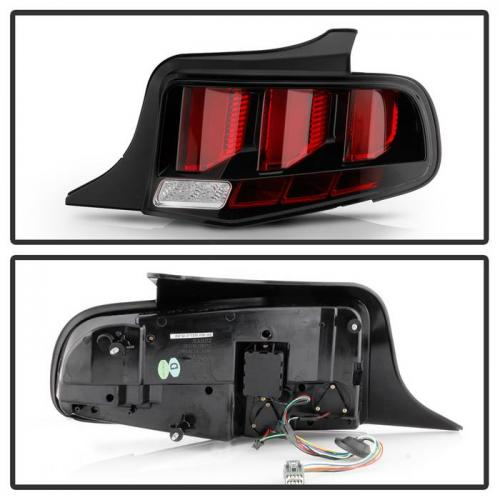 Ford Mustang 2010-2012 Röd Light Bar (Sekventiell Blinkers) LED Baklampor - Svarta Spyder Auto