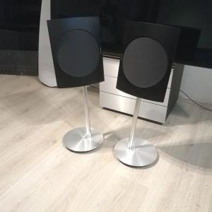 Beolab 17 - Black Edition - Including Floor Stand